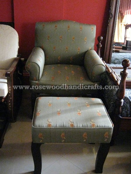 Relaxing Sofa Seat With Foot Rest