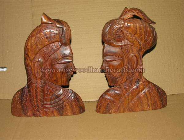 Wooden King And Queen Statue