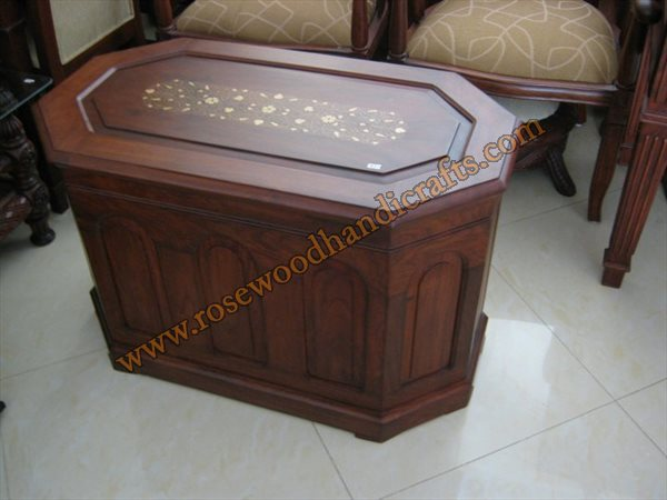 Wooden 8 Corner Captain Chest With Brass Inlaid