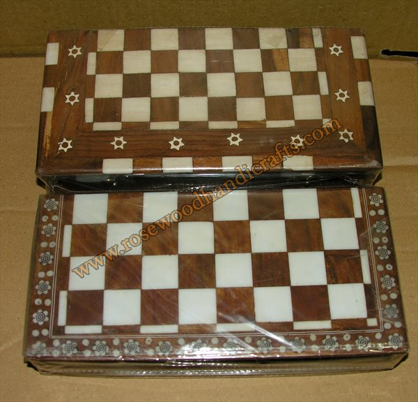Wooden Chess Game With Plastic Inlaid Work