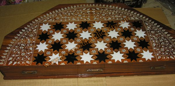 Wooden Big Chess Game With Plastic Inlaid Work