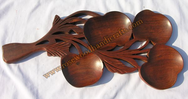 Wooden Grapes Shape Dry Fruit Tray