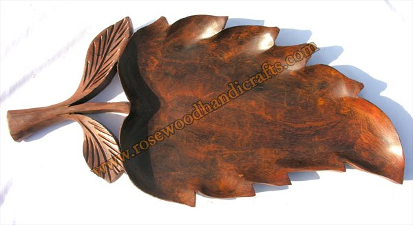 Leaf Shape Wooden Dry Fruit Tray