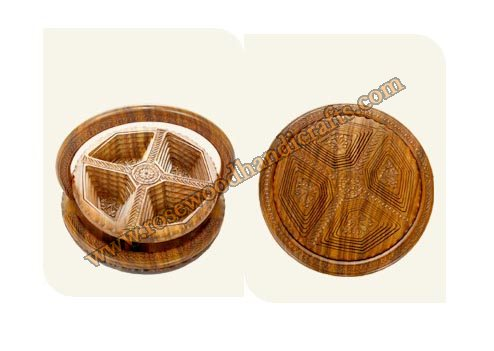 Wooden Round Shape 4 Compartments Spring Basket