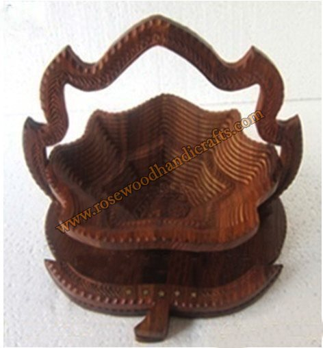 Wooden Double Step Leaf Shape Spring Basket