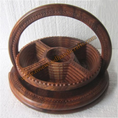 Wooden Wheel Shape 5 Compartments Spring Basket