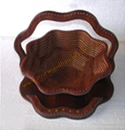 Wooden Flower Shape Single Compartment Spring Basket