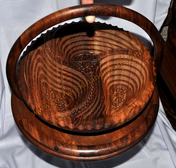 Wooden Round 3 Compartments Spring Basket