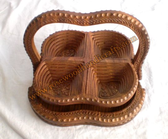 Wooden 4 Compartments Spring Basket